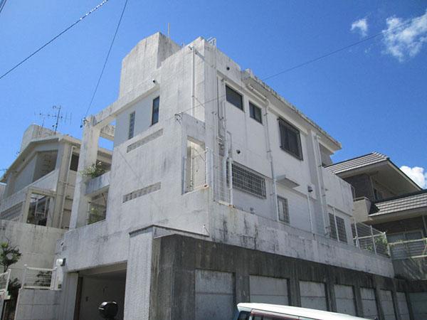 塗装前の沖縄県南風原町Y邸