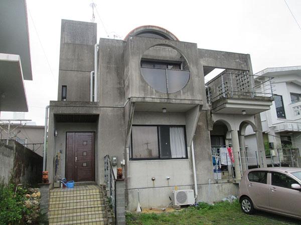 塗装前の沖縄県北中城村T邸