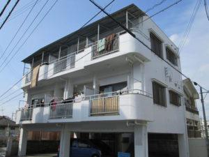 塗装前の沖縄県豊見城市Sアパート様