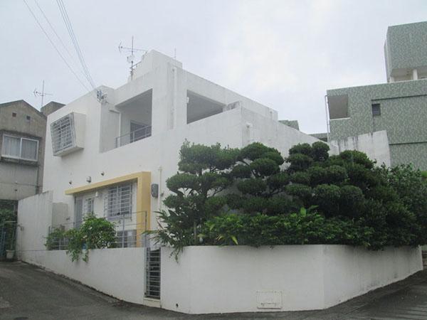 塗装前の沖縄県豊見城市S邸