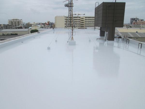 沖縄県北谷町Iアパート様の屋上遮熱防水工事後