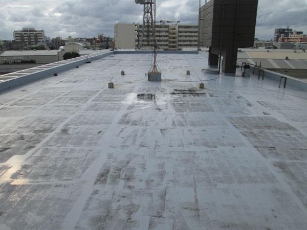 沖縄県北谷町Iアパート様の屋上遮熱防水工事前