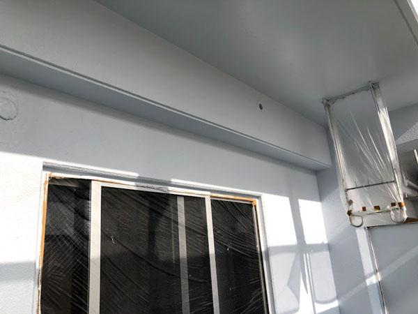那覇市Oアパート様の上塗り1