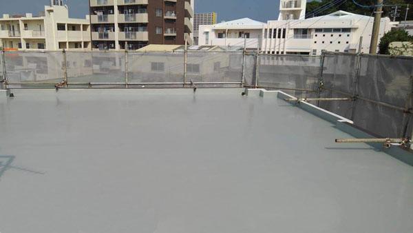 那覇市T邸のウレタン塗膜防水2回目塗布