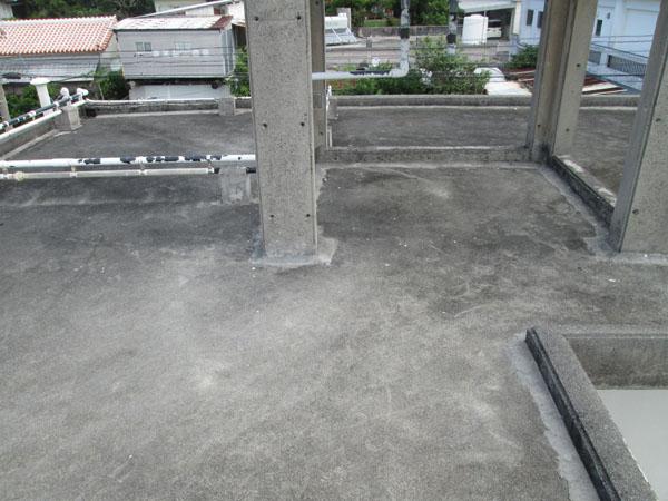 沖縄県豊見城市K邸の屋上遮熱防水工事前