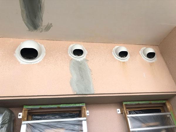 沖縄県糸満市Sアパート様の換気口錆止め塗布