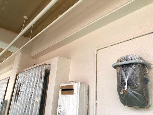 沖縄県那覇市Dアパート様の中塗り。