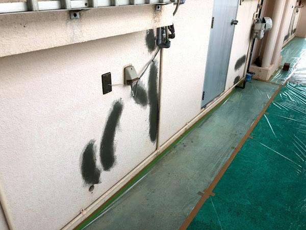 沖縄県那覇市Dアパート様のポリマーセメント左官仕上げ。