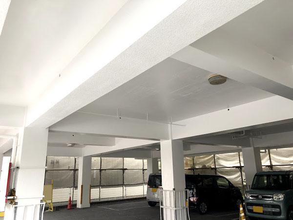 沖縄県那覇市Nアパート様の車庫内塗装も完了。