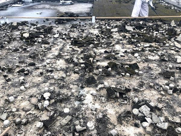 沖縄県那覇市O邸の屋上断熱ブロック撤去