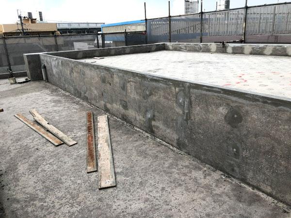 沖縄県那覇市O邸の壁面Pコン埋め戻し。