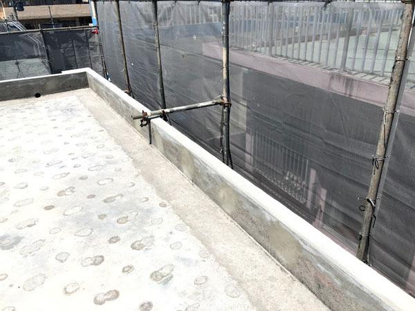 沖縄県那覇市O邸の外壁改修、屋上、庇笠木復元完了。