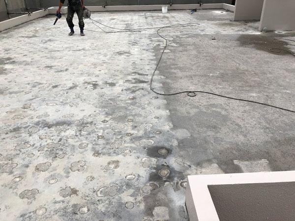 沖縄県那覇市O邸の屋上清掃、ポリッシャーがけ。
