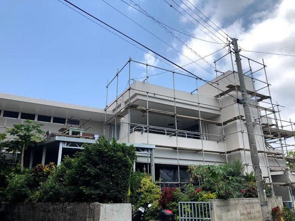 沖縄県那覇市O邸の足場養生ネット外し。