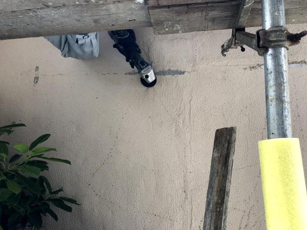 沖縄県宜野湾市I様の壁面鉄部類突起物撤去。
