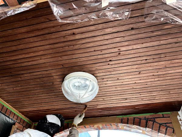 沖縄県宜野湾市U様の軒天木部、キシラデコール保護材塗り。
