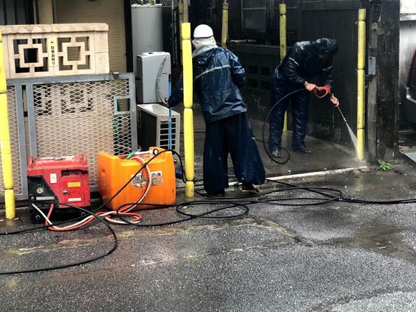 沖縄県那覇市K邸の高圧水洗浄工事。