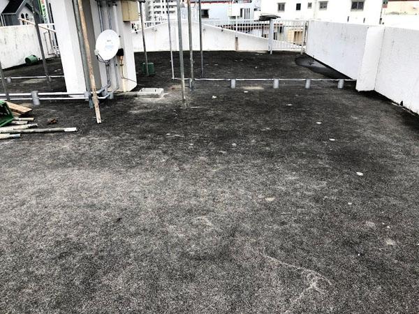 沖縄県那覇市Nアパート様の屋上遮熱防水工事前