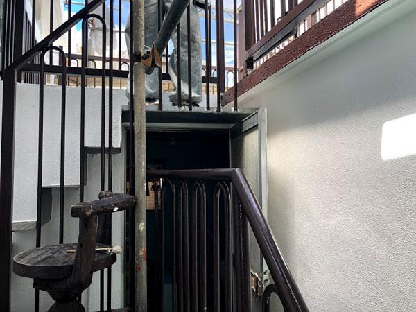 宜野湾市I様の鉄部塗装完了。