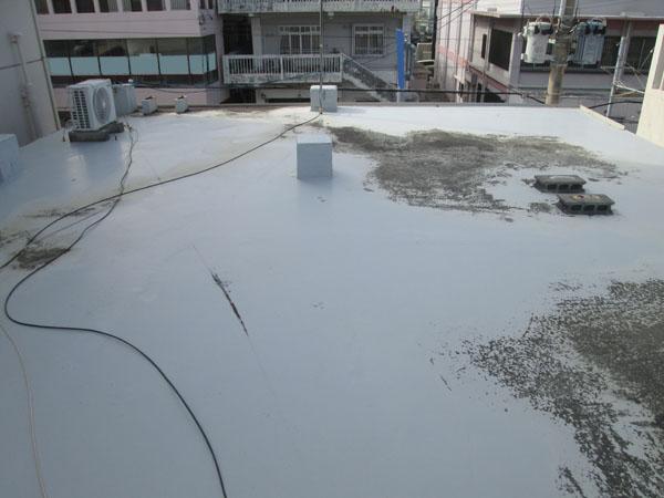 沖縄県宜野湾市I様の屋上遮熱防水工事前