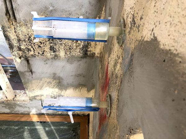 沖縄県那覇市Mアパート様のエポキシ樹脂注入。