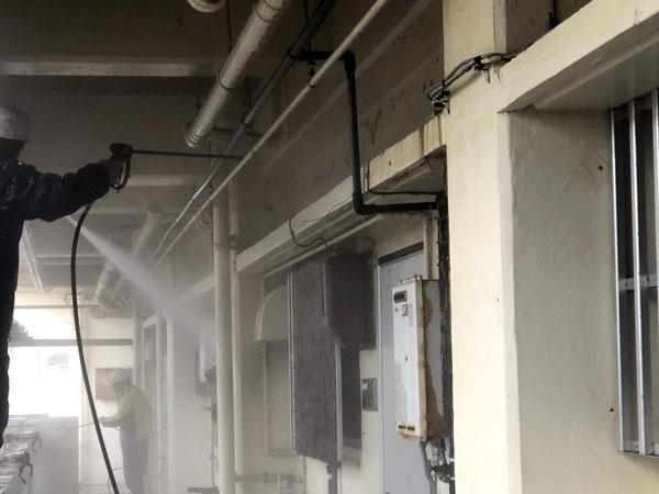 沖縄県那覇市Mアパート様の高圧水洗浄工事。