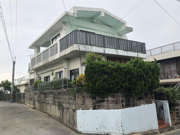 外壁塗装前の沖縄県那覇市M邸