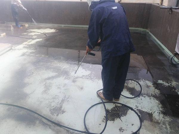 沖縄県那覇市Y様の高圧水洗浄工事。