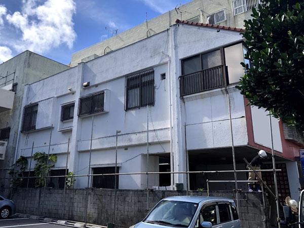 沖縄県那覇市Y様の足場組立工事。