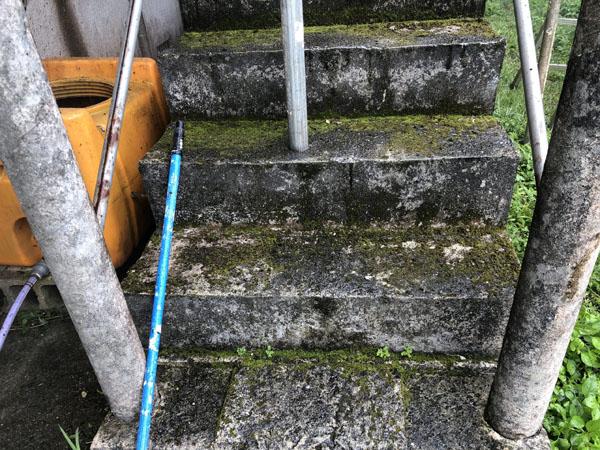 沖縄県南城市Y様の高圧水洗浄前。