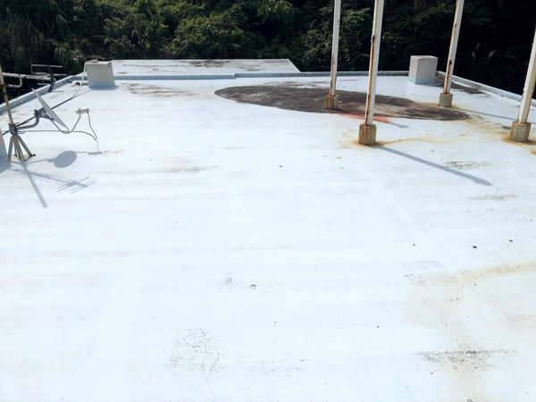 沖縄県南城市Y邸の屋上遮熱防水工事前