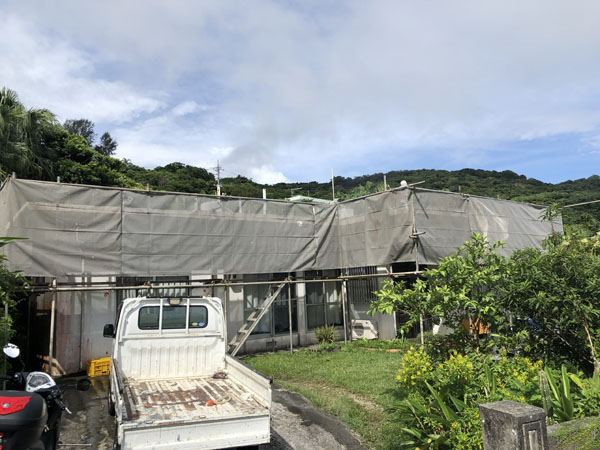 沖縄県南城市Y様の足場組立工事。