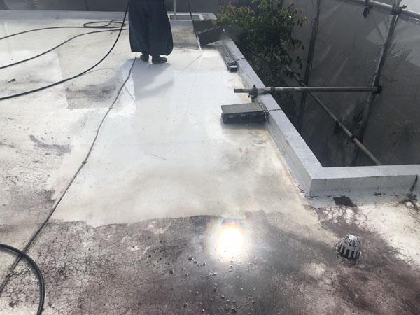 沖縄県八重瀬町T様の高圧水洗浄。