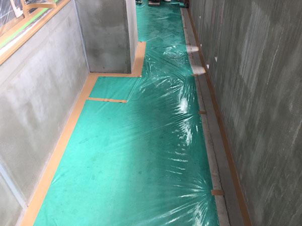 沖縄県那覇市T様の土間ビニール養生完了。