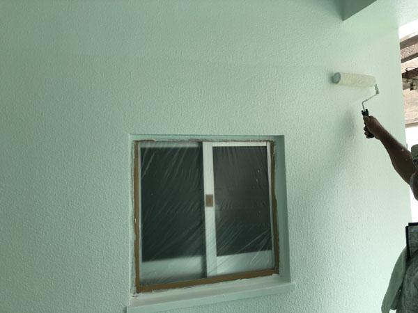 沖縄県中城村T様の上塗り。