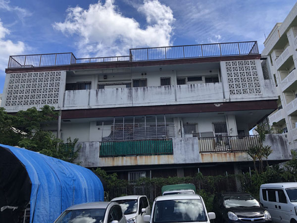 沖縄県那覇市S様の足場組立工事。