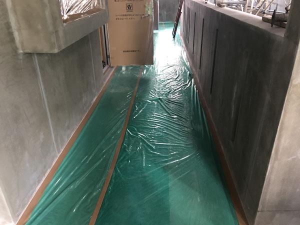 沖縄県那覇市T様のB棟のビニール養生が完了。