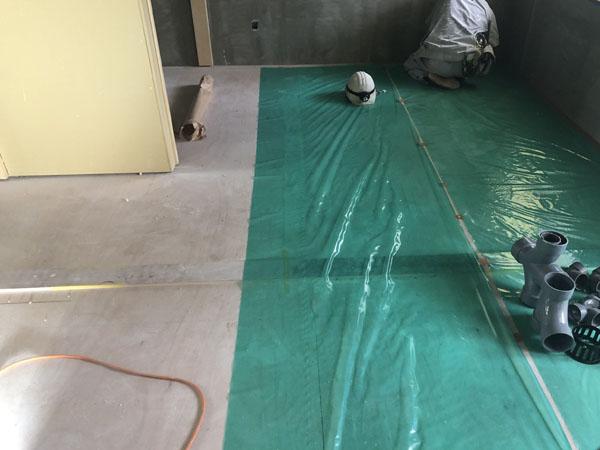沖縄県那覇市T様のA・B棟3階の内部養生、木研磨。