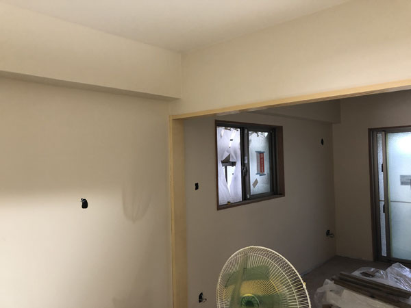 沖縄県那覇市T様のA棟1階の内部塗装完了。
