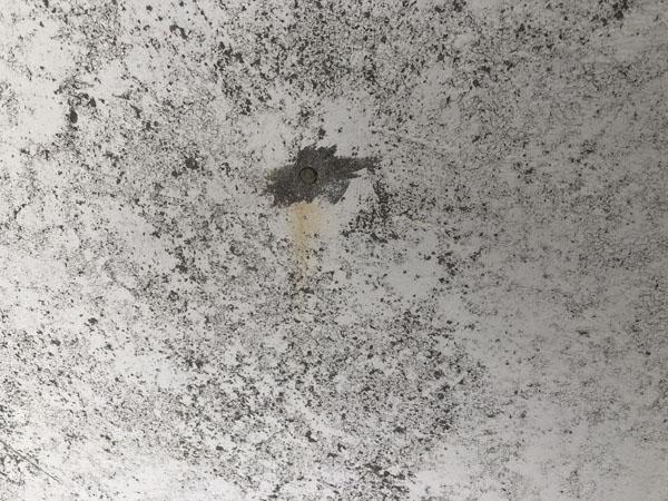 沖縄県浦添市Gアパート様の外壁・屋上の突起物、不用な物は撤去します。