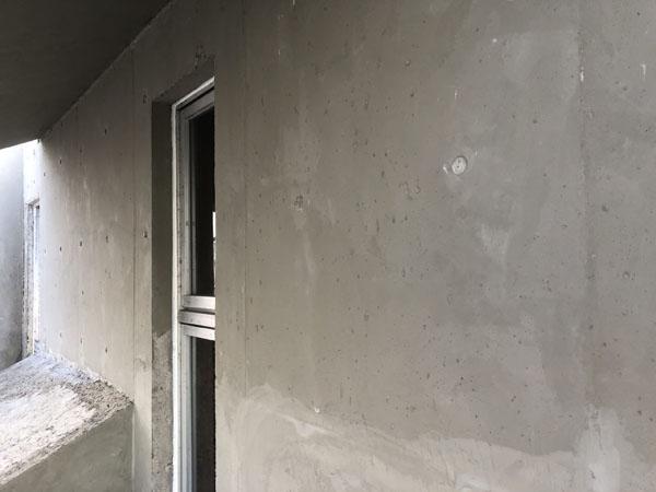 沖縄県浦添市S邸の壁面のシゴキ左官