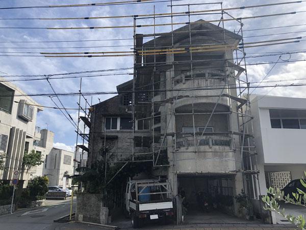 沖縄県浦添市S邸の足場組立工事