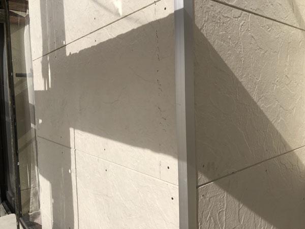 沖縄県八重瀬町N邸の継ぎ目等のコーキング充填