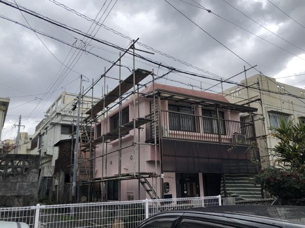 沖縄県那覇市K邸の足場ネット外し。