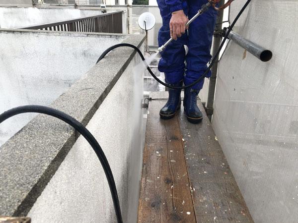 沖縄県那覇市T邸の高圧水洗浄工事
