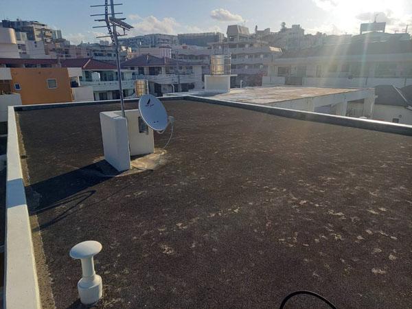 沖縄県那覇市Uアパート様の屋上遮熱防水工事前