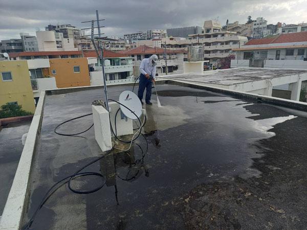 沖縄県那覇市Uアパート様の高圧水洗浄工事