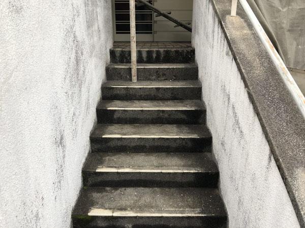 沖縄県浦添市H邸の高圧水洗浄工事前