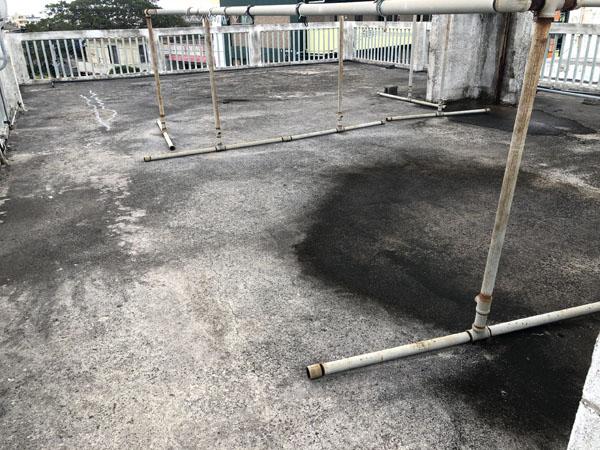 沖縄県宜野湾市S邸の屋上ウレタン塗膜防水遮熱工事前