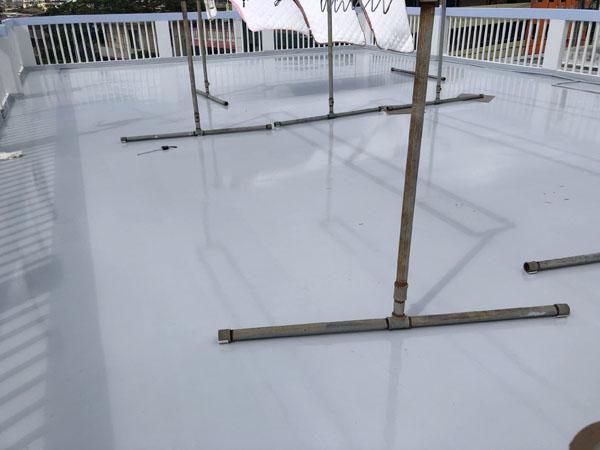 沖縄県宜野湾市S邸の屋上ウレタン塗膜防水遮熱工事後